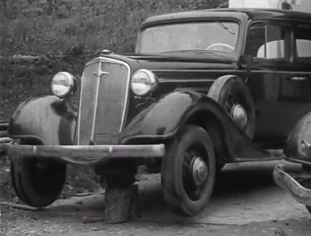 IMCDb org: 1934 Chevrolet Master Sedan [DA] in