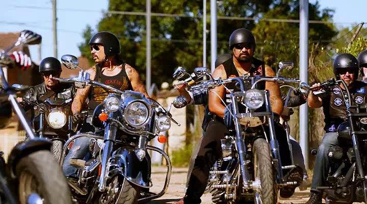 "Harley Davidson Movie: IMCDb.org: 1980 Harley-Davidson FLT In ""Dumb Criminals"
