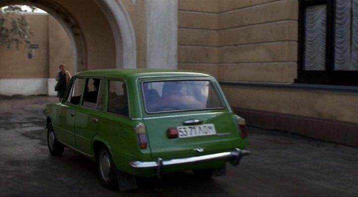 IMCDb org: 1972 Lada 1200 Combi [2102] in