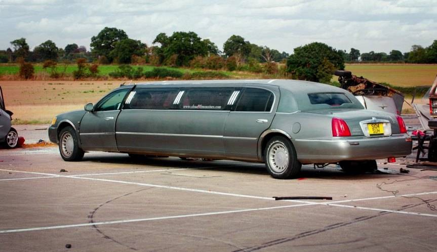 1999 Lincoln Town Car Stretched Limousine
