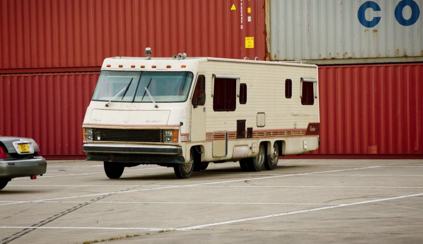 IMCDb org: 1985 Tidwell Catalina on Chevrolet P30 chassis in