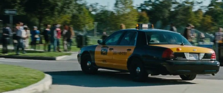 Imcdb Org  Ford Crown Victoria Police Interceptor P In Jack Reacher Never Go Back