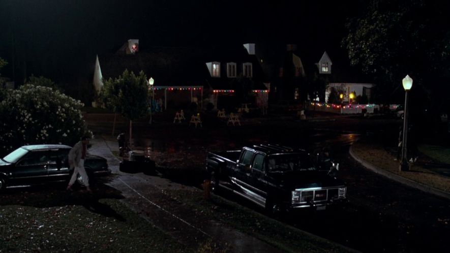"""IMCDb.org: 1985 GMC C-3500 Crew Cab Wideside Big Dooley in """"Lethal Weapon, 1987"""""""