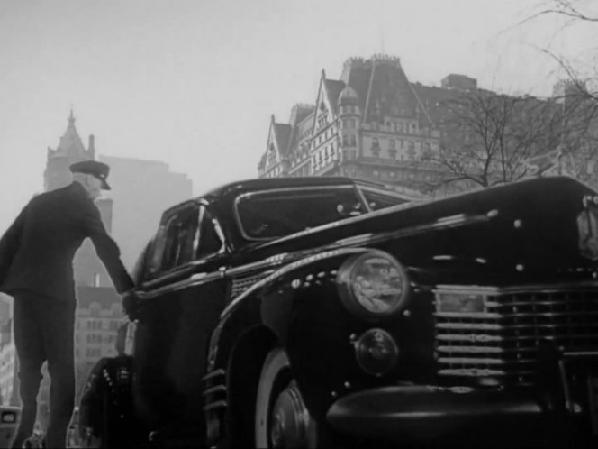 "IMCDb.org: 1941 Cadillac Fleetwood 75 in ""The Devil and Miss Jones ..."