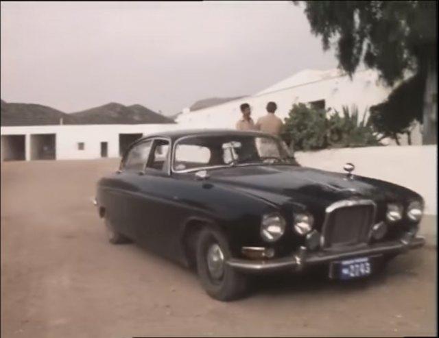 """IMCDb.org: 1962 Jaguar Mk.X in """"Kessler, 1981"""""""