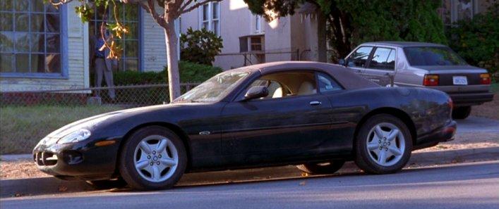 "IMCDb.org: 1997 Jaguar XK8 X100 in ""Memento, 2000"""