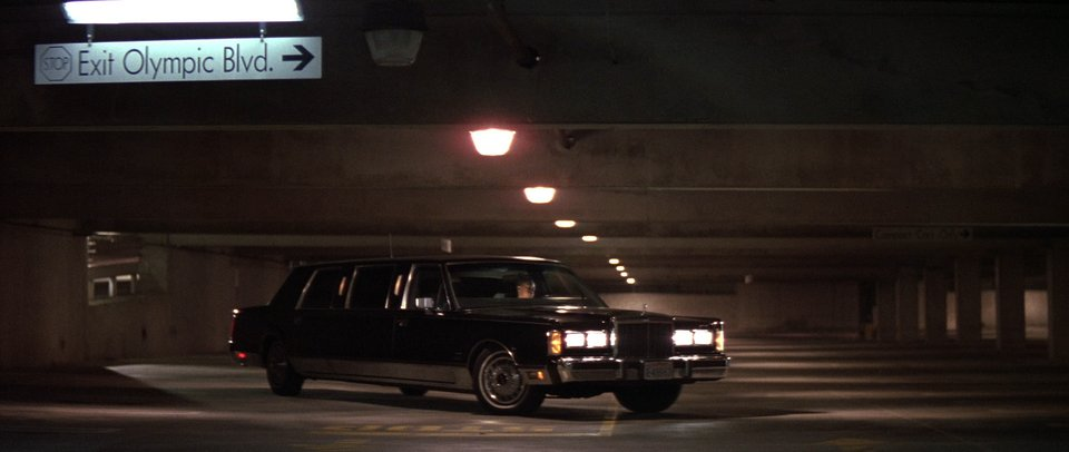 I on 1988 Lincoln Town Car