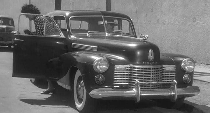 "IMCDb.org: 1941 Cadillac Fleetwood 60 Special in ""Dead Men Don't ..."