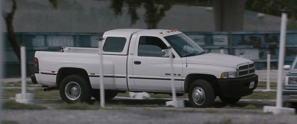 "IMCDb.org: 1994 Dodge Ram 3500 Regular Cab SLT Laramie Dually in ""Heat, 1995"""