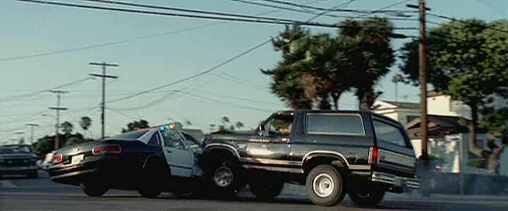 "IMCDb.org: 1982 Ford Bronco In ""Hostage, 2002"""
