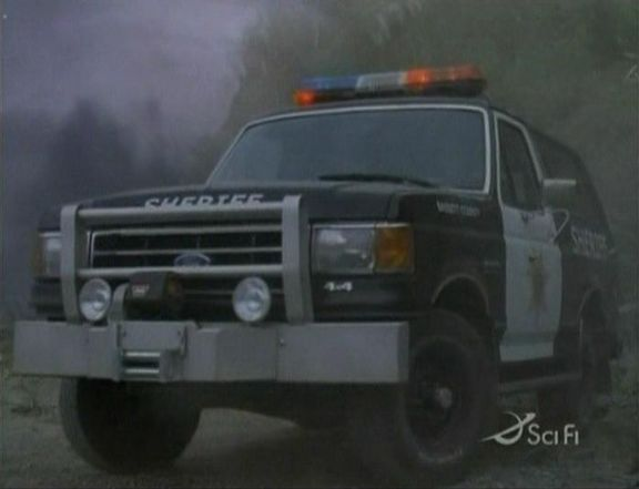 "IMCDb.org: 1987 Ford Bronco XLT in ""Atomic Twister, 2002"""