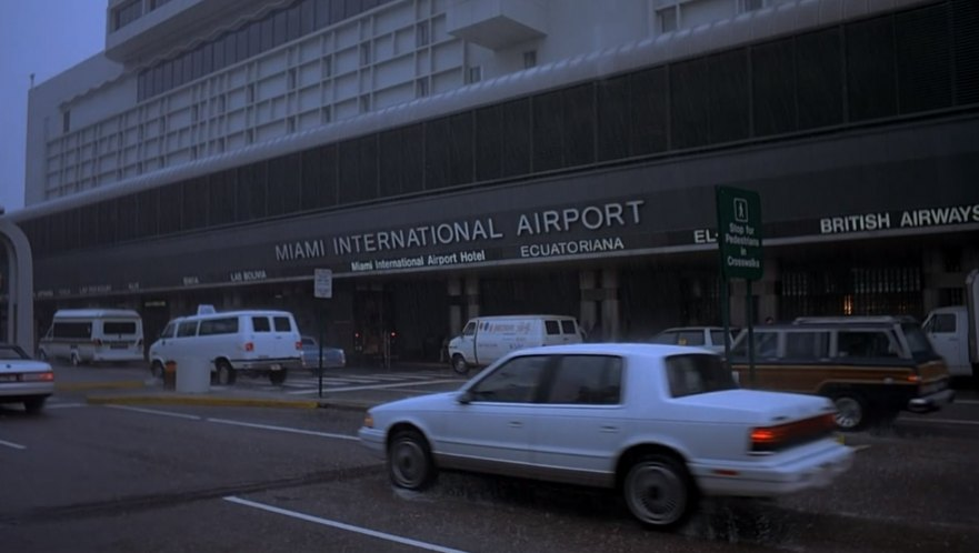 Imcdb Org 1991 Chrysler Lebaron In Quot Home Alone 2 Lost In