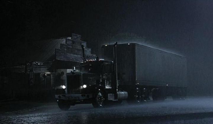 "Texas Used Trucks >> IMCDb.org: 1967 Peterbilt 351 in ""The Texas Chainsaw Massacre, 2003"""