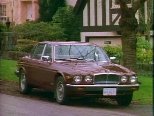 """IMCDb.org: 1980 Jaguar XJ12 Series III in """"21 Jump ..."""