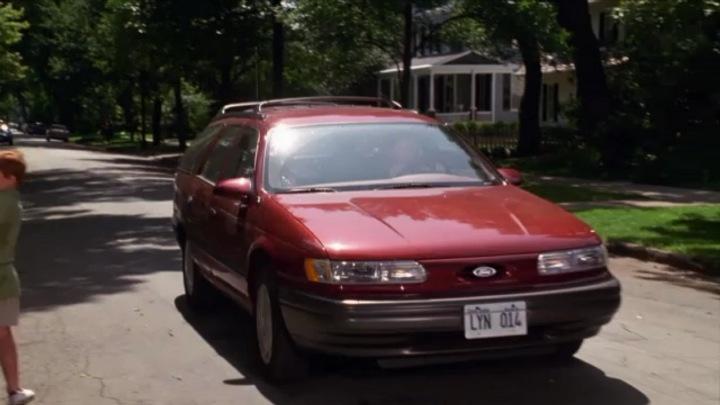 "IMCDb.org: 1992 Ford Taurus Wagon in ""Dennis the Menace, 1993"""
