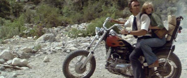"Harley Davidson Movie: IMCDb.org: Harley-Davidson Knucklehead In ""The Gauntlet, 1977"""