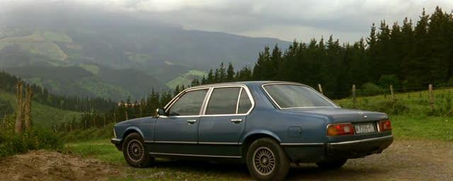 """IMCDb.org: 1980 BMW 735i [E23] in """"La voz de su amo, 2001"""""""
