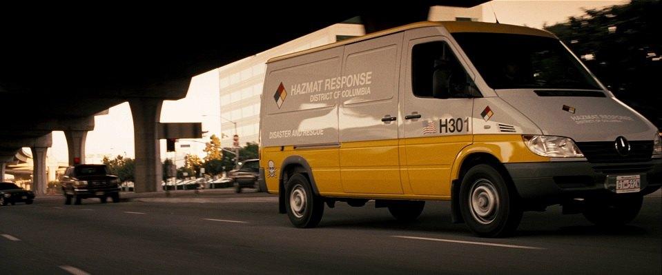 2003 dodge sprinter rebadged as mercedes benz in live free or die hard 2007. Black Bedroom Furniture Sets. Home Design Ideas