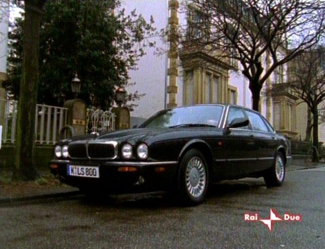 """IMCDb.org: 1998 Jaguar XJ8 X308 in """"Alarm für Cobra 11 ..."""