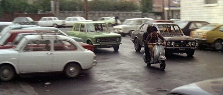 """IMCDb.org: Piaggio Vespa in """"Roma a mano armata, 1976"""""""