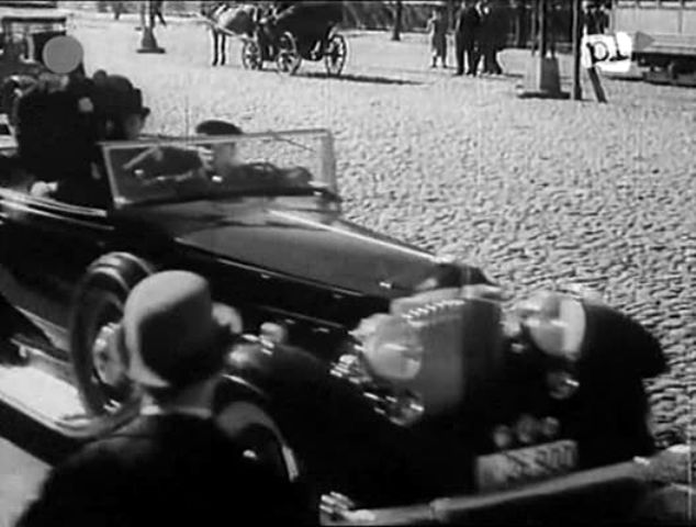 "IMCDb.org: 1932 Packard Eight in ""Romeo i Julcia, 1933"""