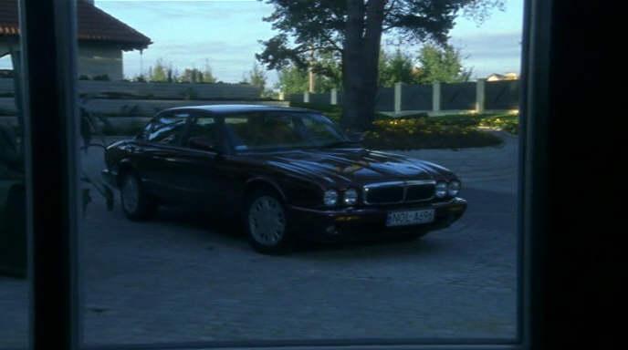 "IMCDb.org: Jaguar XJ8 X308 in ""Kameleon, 2001"""