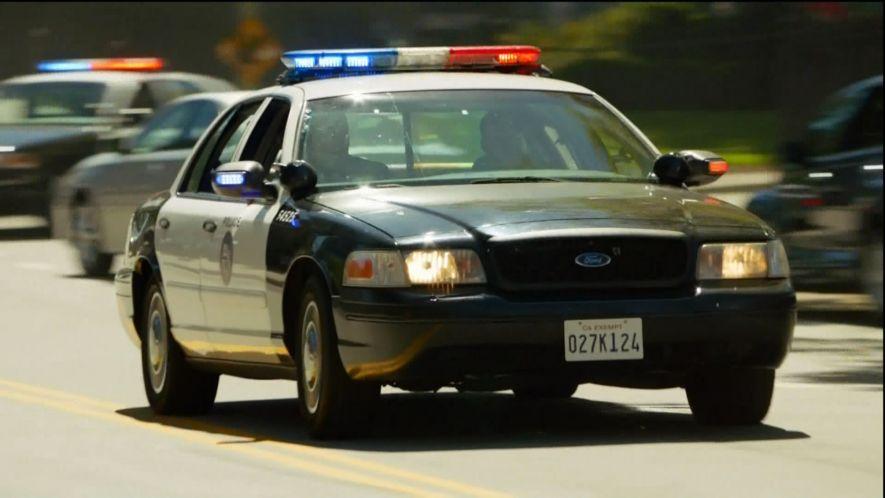 1999 ford crown victoria police interceptor p71 in law order los angeles 2010. Black Bedroom Furniture Sets. Home Design Ideas
