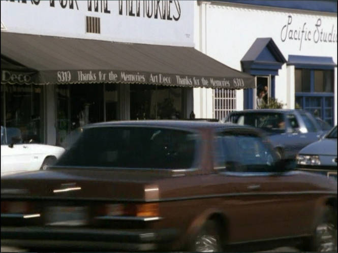 IMCDb.org: 1978 Mercedes-Benz 280 CE [W123] in Man on the Moon, 1999