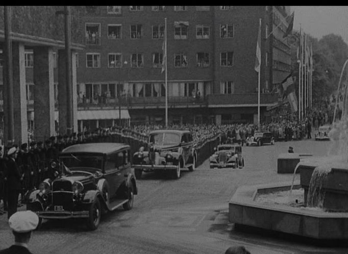 IMCDb.org: 1931 Lincoln Model K Standard 7-Passenger Limousine ...