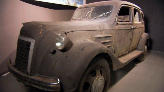 "IMCDb.org: 1936 Toyoda Model AA in ""Car Crazy, 2001-2021"""