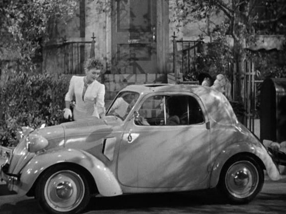 "IMCDb.org: 1936 Fiat 500 A Topolino in ""The More the Merrier, 1943"""