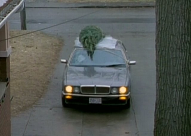 "IMCDb.org: 1988 Jaguar XJ6 XJ40 in ""Home for Christmas, 1990"""