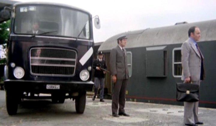 """IMCDb.org: OM Leoncino Mk.IV in """"Paura in città, 1976"""""""