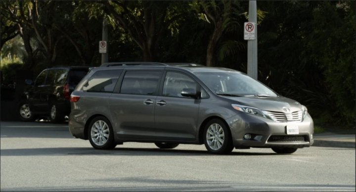 2015 toyota sienna limited premium sl30 in modern family 2009 2018. Black Bedroom Furniture Sets. Home Design Ideas