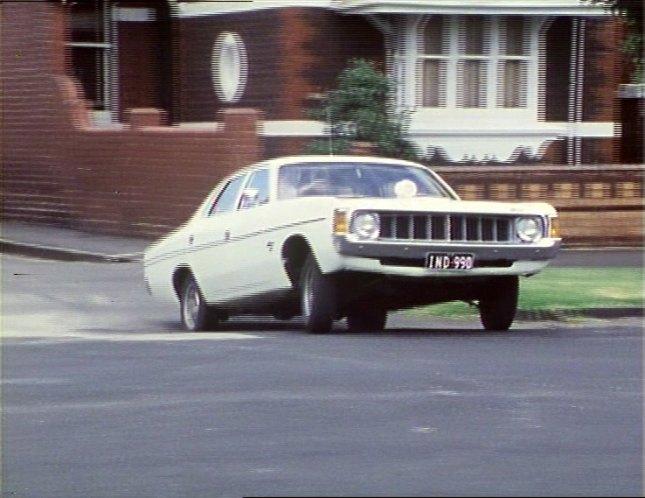 IMCDb.org: 1976 Chrysler Valiant HK Police [VK] in Qi mou